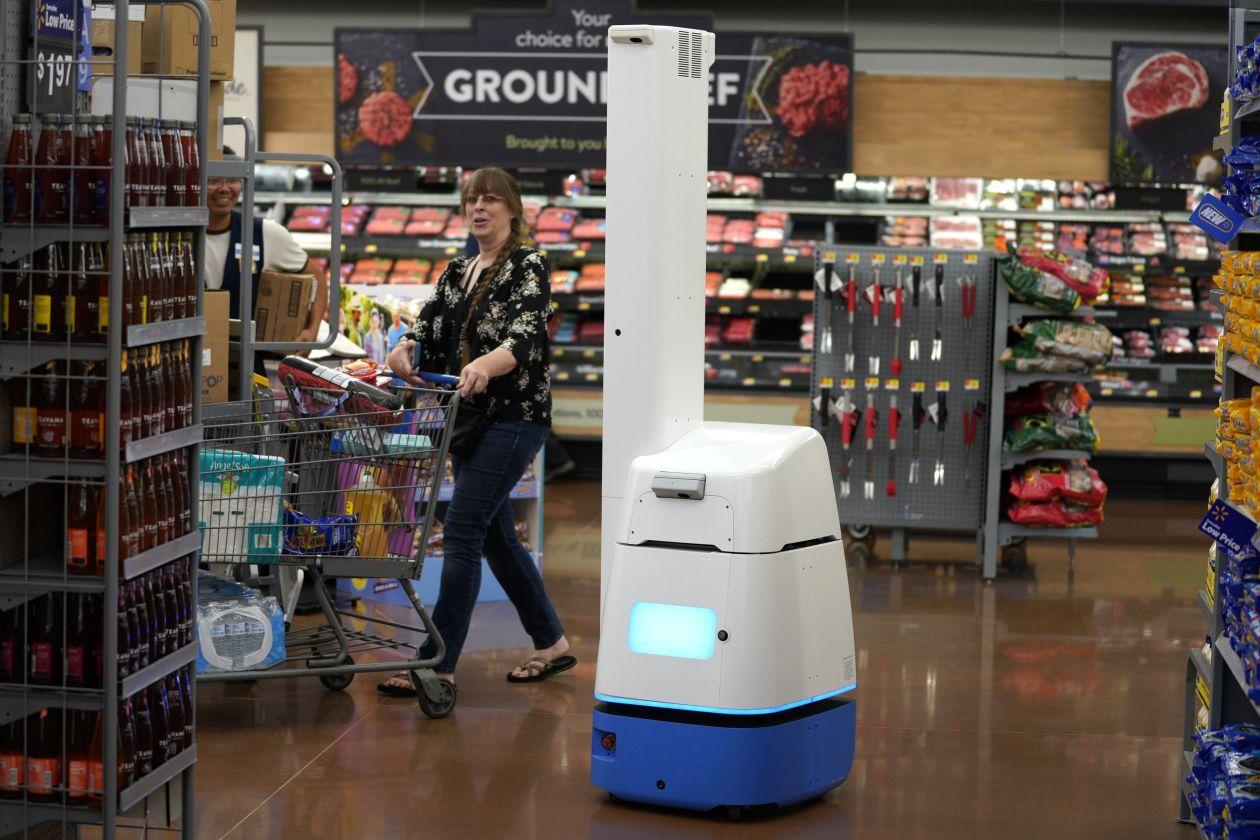 New job for robots taking stock for retailers cretech jpg 1260x840  Autonomous robots walmart store pilot cfea74937